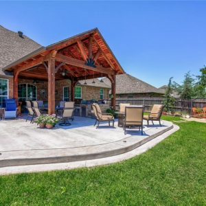 backyard patio hardscaping and landscaping